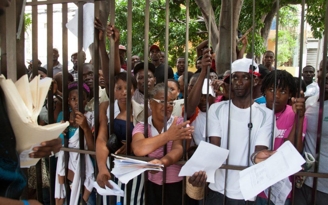 Impiden a haitianos entrar por la fuerza a Ministerio
